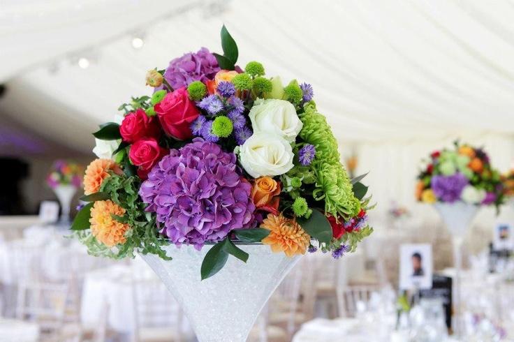 Cum să vă alegeţi cele mai potrivite flori pentru ziua nunţii