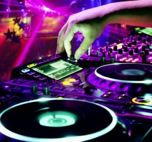 ERICKSOUND & EVENTS - FUM GREU - GHEATA CARBONICA - DJ - SONORIZARE - LUMINI